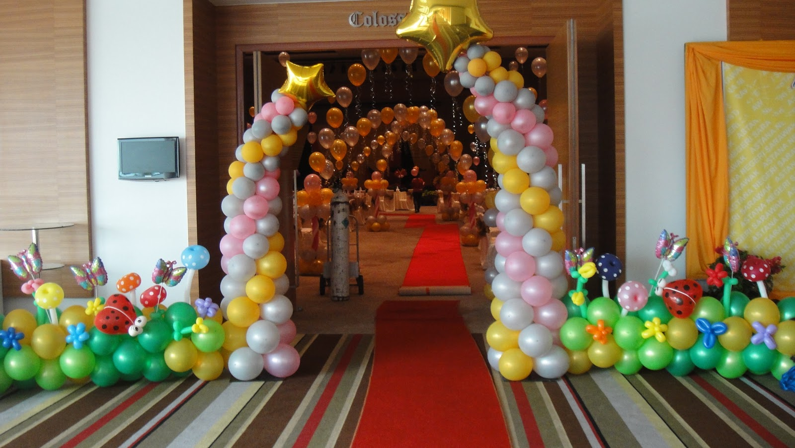 C b event company astana annual dinner balloons for Balloon decoration companies