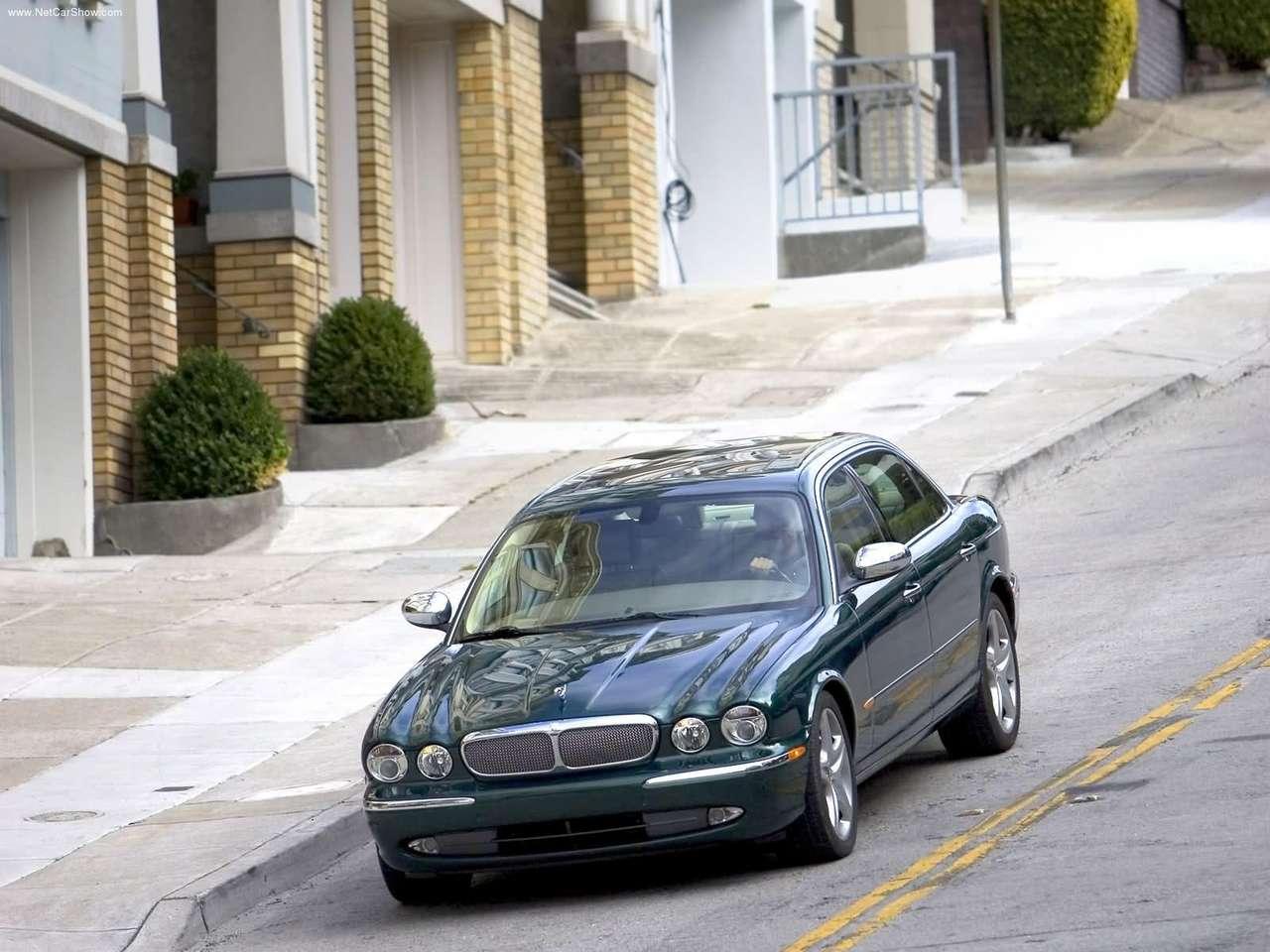 http://3.bp.blogspot.com/-YpFIGXnCbqM/TZljujVt4ZI/AAAAAAAACf0/rzN9CumV5ts/s1600/Jaguar-XJ_Super_V8_2005_1280x960_wallpaper_07.jpg