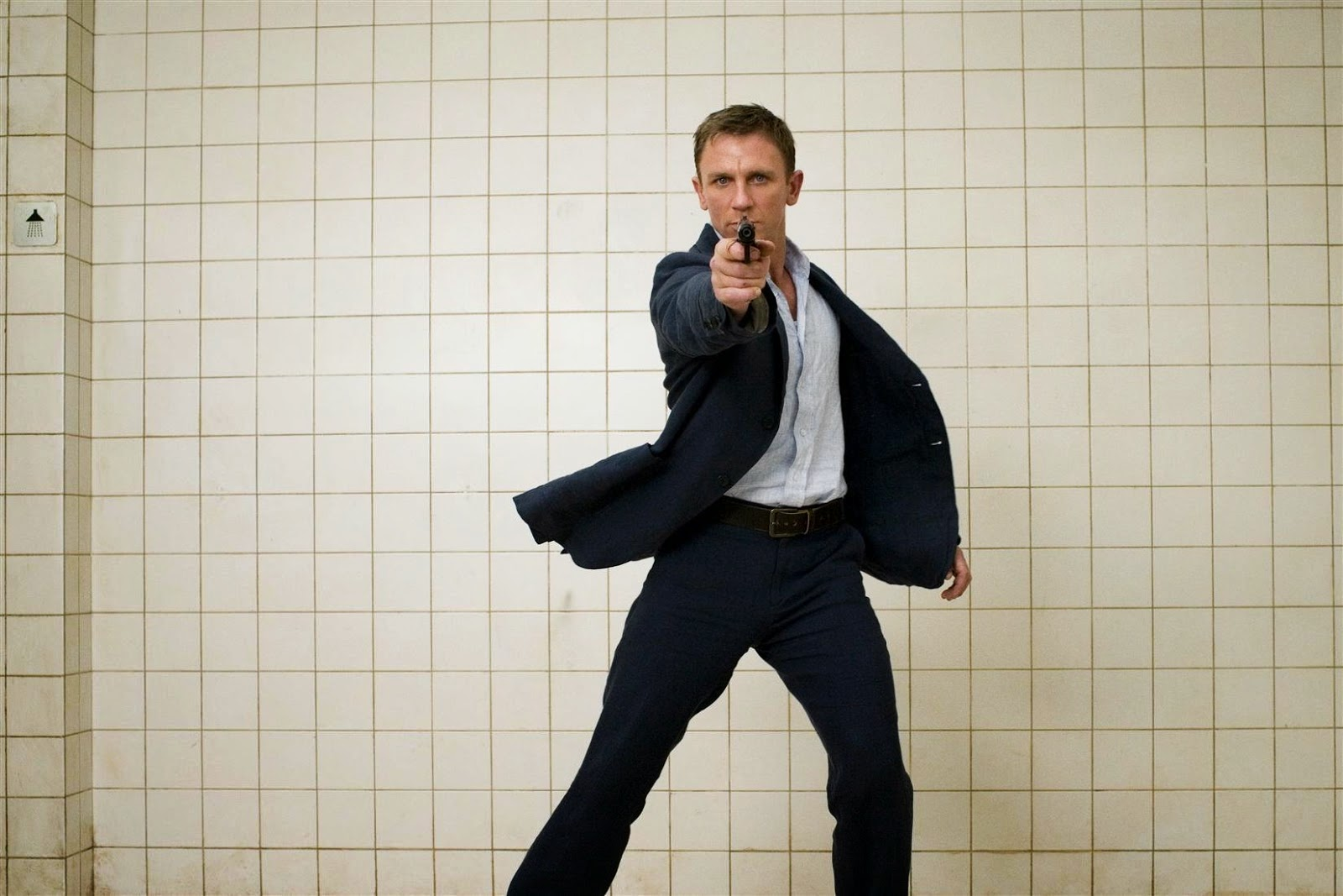 Daniel Craig 007 HD Wallpaper