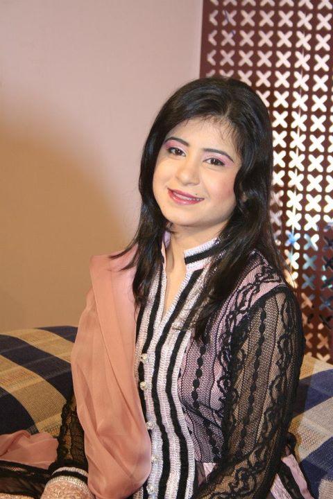 Saima Khan Hot