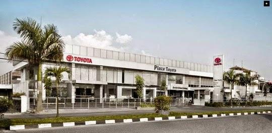 Dealer Mobil Plaza Toyota, Bandung