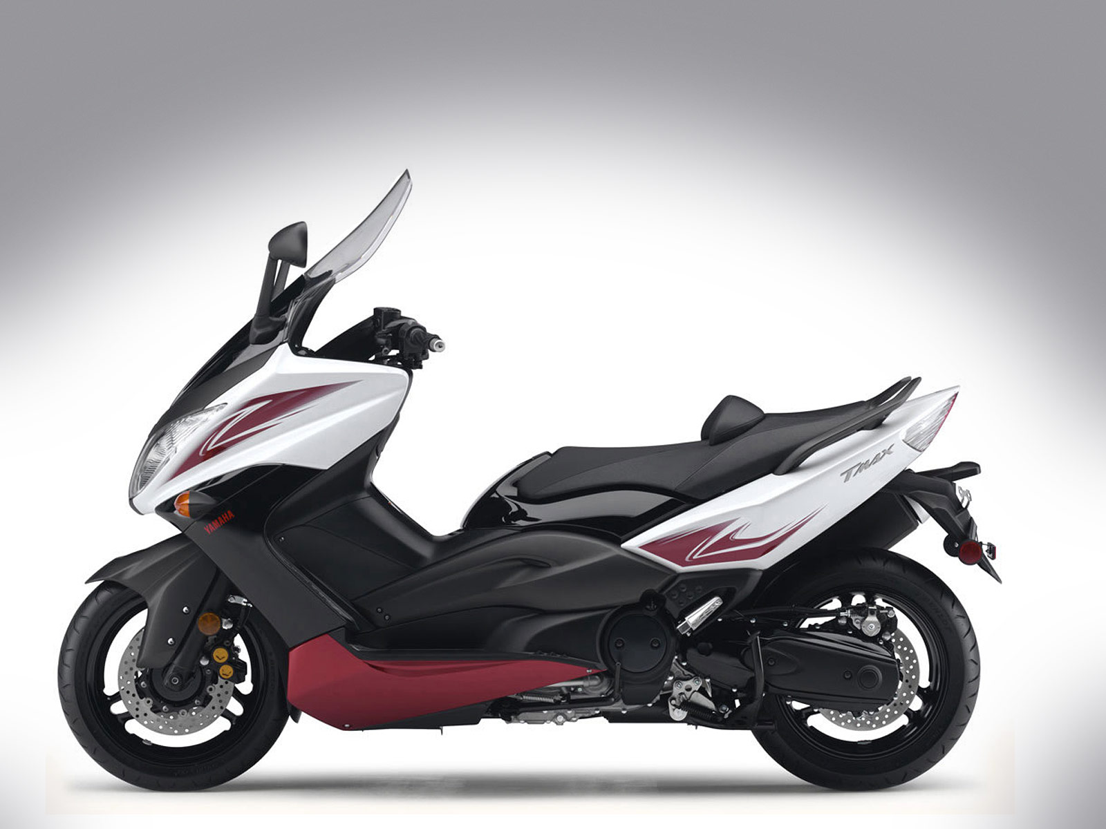 2010 yamaha tmax pictures review and specifications. Black Bedroom Furniture Sets. Home Design Ideas
