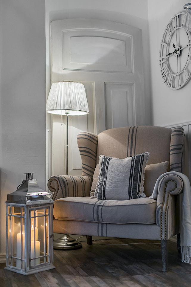 Arredare piccoli spazi una meraviglia shabby chic in 49 for Piccoli mobili da soggiorno