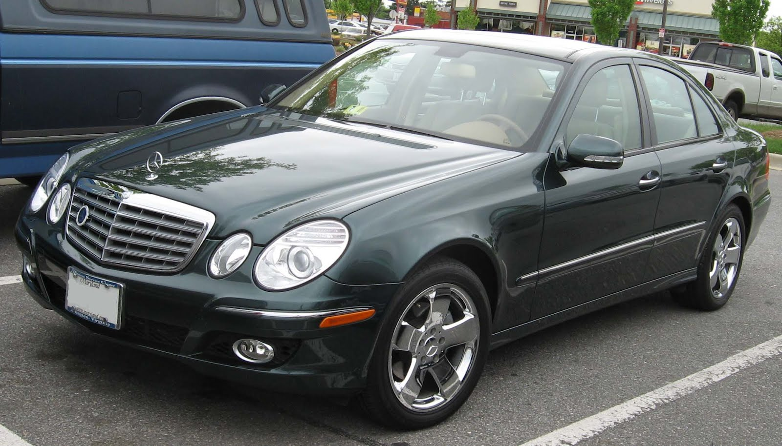 World Automotive Center Mercedes Benz E350 New V8 Engine