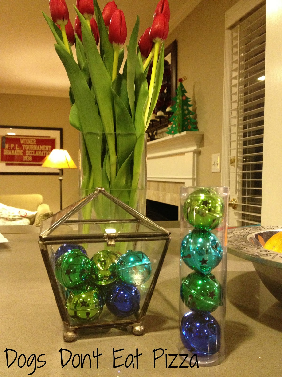 Easy and Inexpensive Holiday Decorations and Gifts - thediybungalow.com