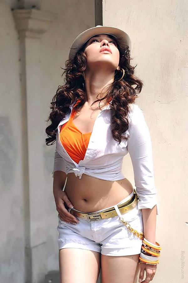 Tamanna Tank Top Wallpapers