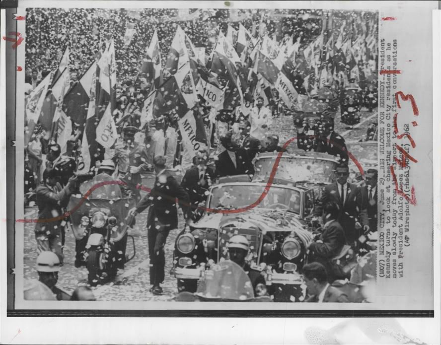 MEXICO CITY, 1962: AGENTS SURROUND JFK'S LIMO