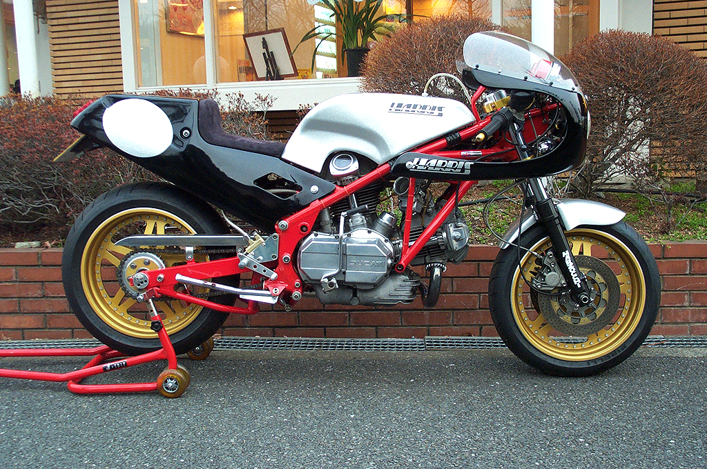 Racing Caf U00e8  Harris Ducati 900 Works Racer