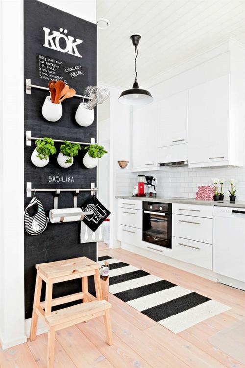 parede de lousa na cozinha