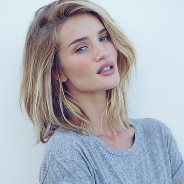 Fotos Peinado de fiesta para un pelo corto Victoria Beckham - Tocados En Pelo Corto