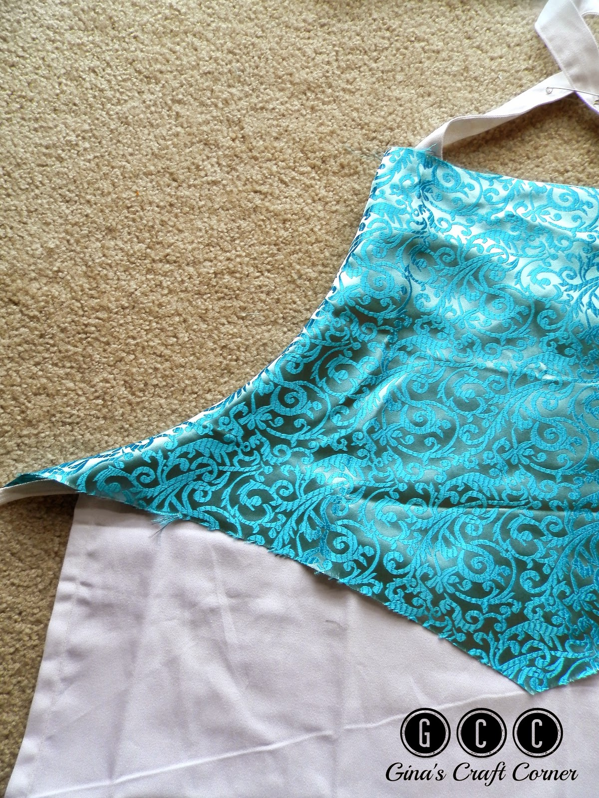 An Easy Elsa Apron Dress by Ginas Craft Corner
