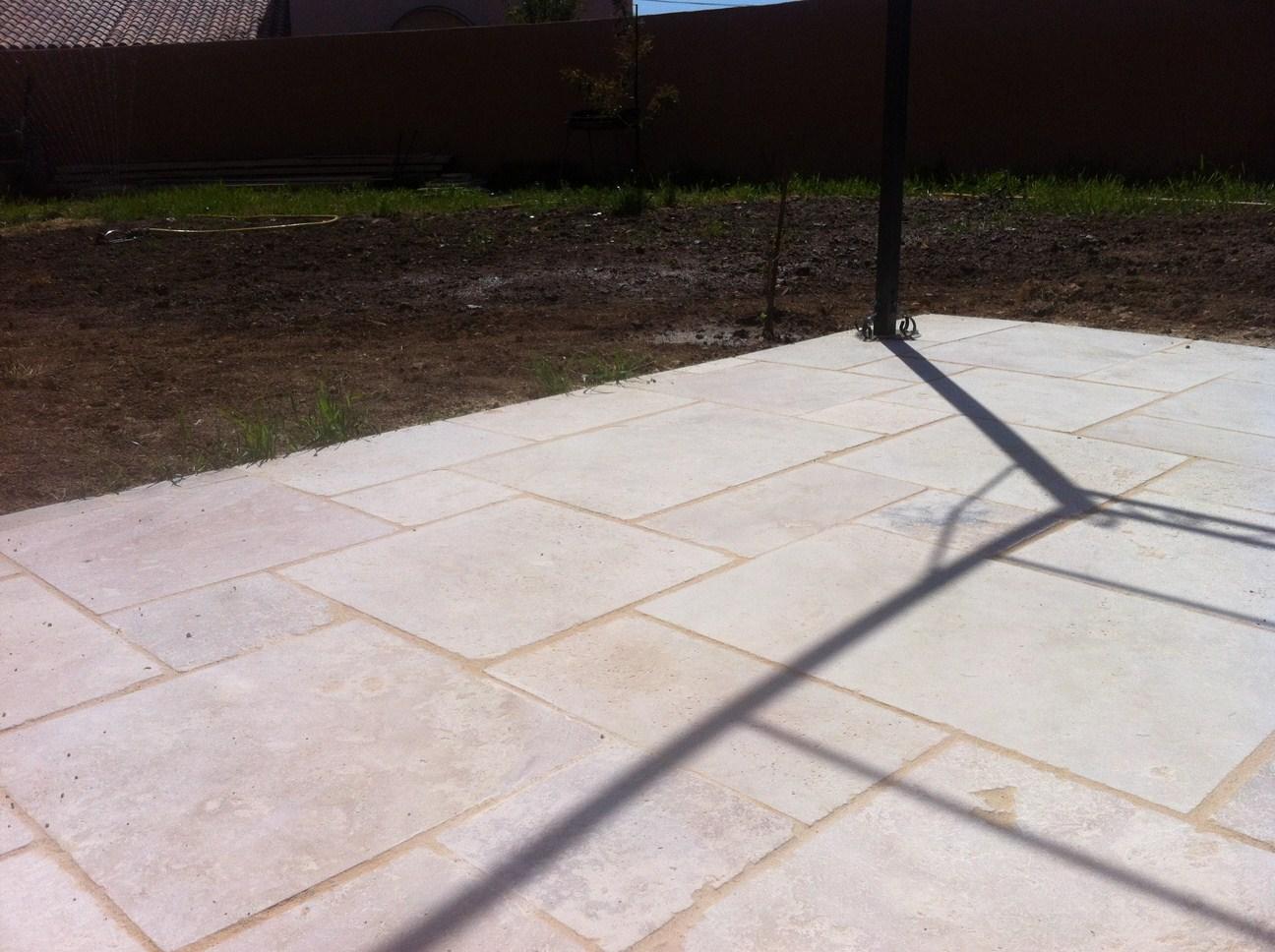 Joint travertin salle de bain - Refaire joint carrelage terrasse ...