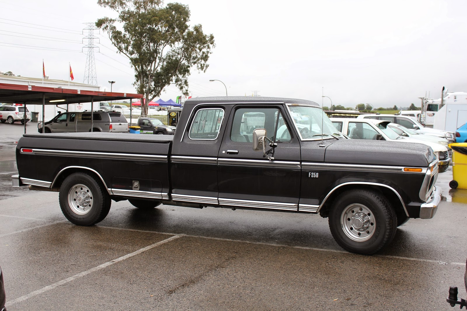 aussie  parked cars  ford  supercab