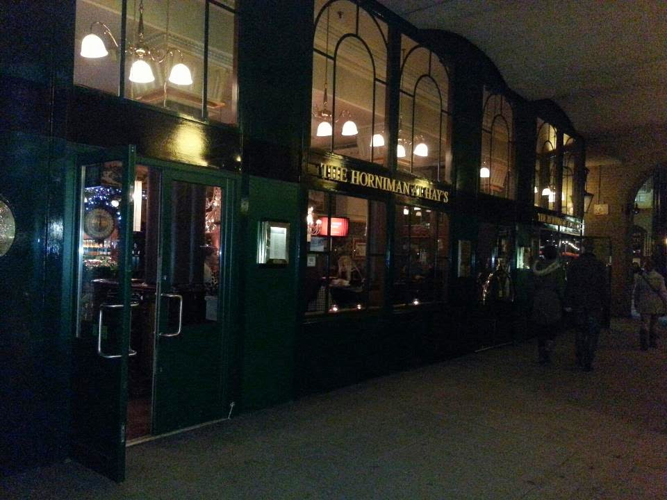 Pub at the Thames