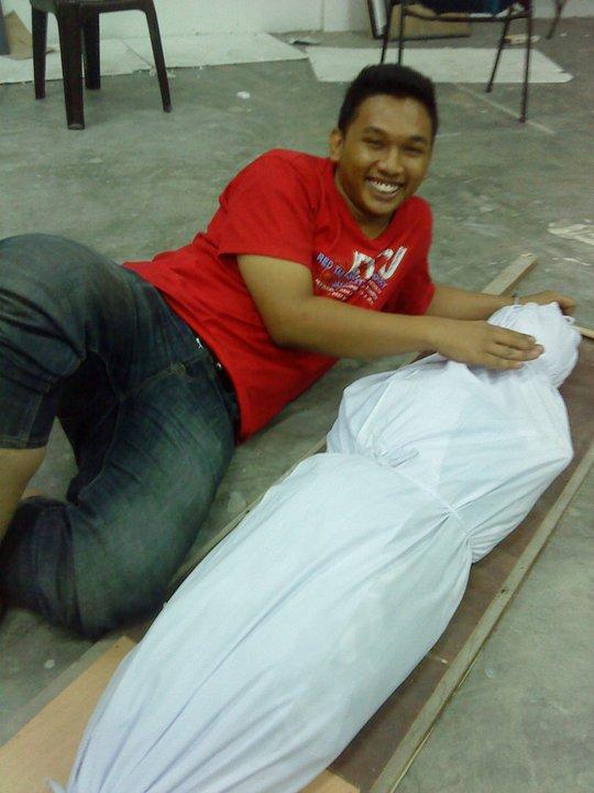 mayat atau jenazah?? :)