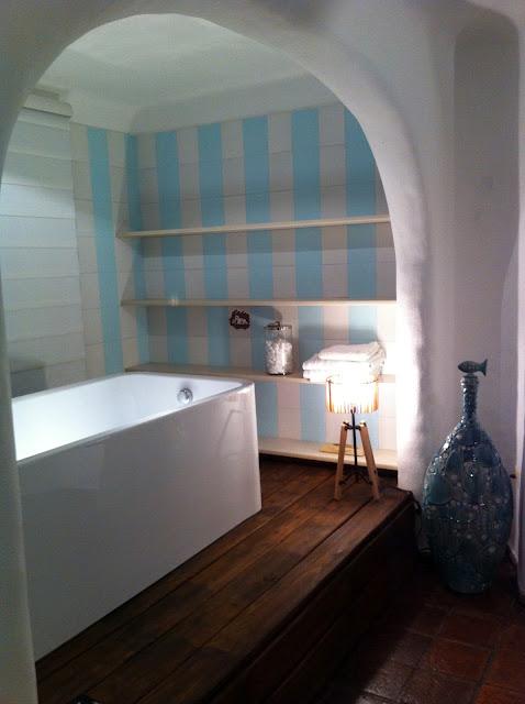 Home improvement ideas dormitorio principal con bano casa for Dormitorio con bano