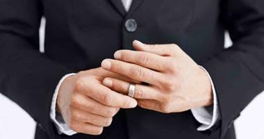 ثلث موظفي الدولة عزاب !: انتفاخ عدد موظفي الدولة غير المتزوجين