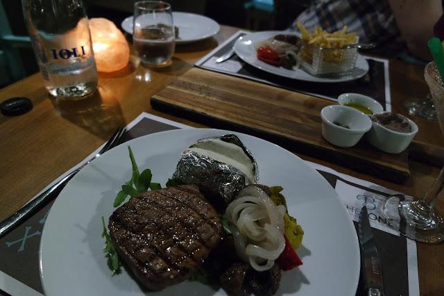 The Bone - Santorini - Restaurant Review