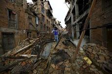 El Gobierno de Nepal estima que los muertos pueden llegar a 10.000.