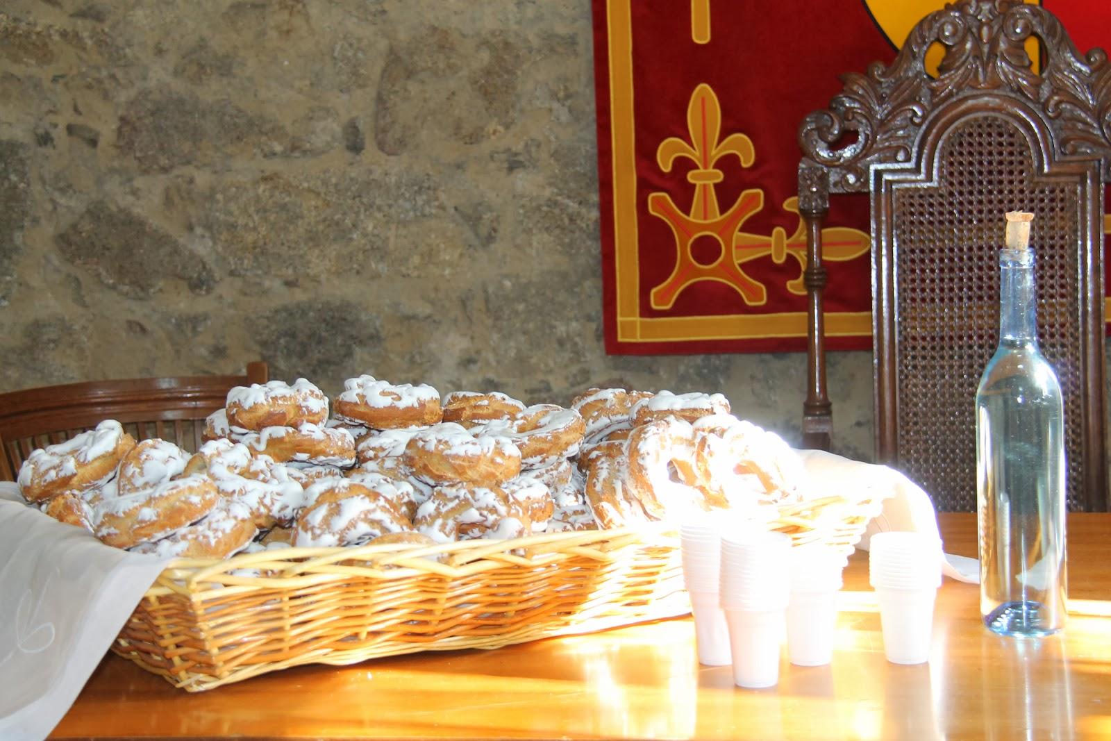 dulces tipicos y aguardiente degustados durante la celebración