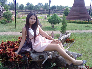 G-nith Nop facebook girls 18