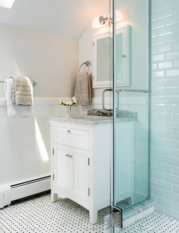 classic bathroom // white subway tile