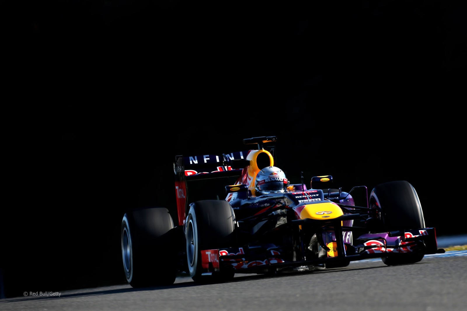 red bull rb9 vettel jerez 2013 red bull rb9 vettel