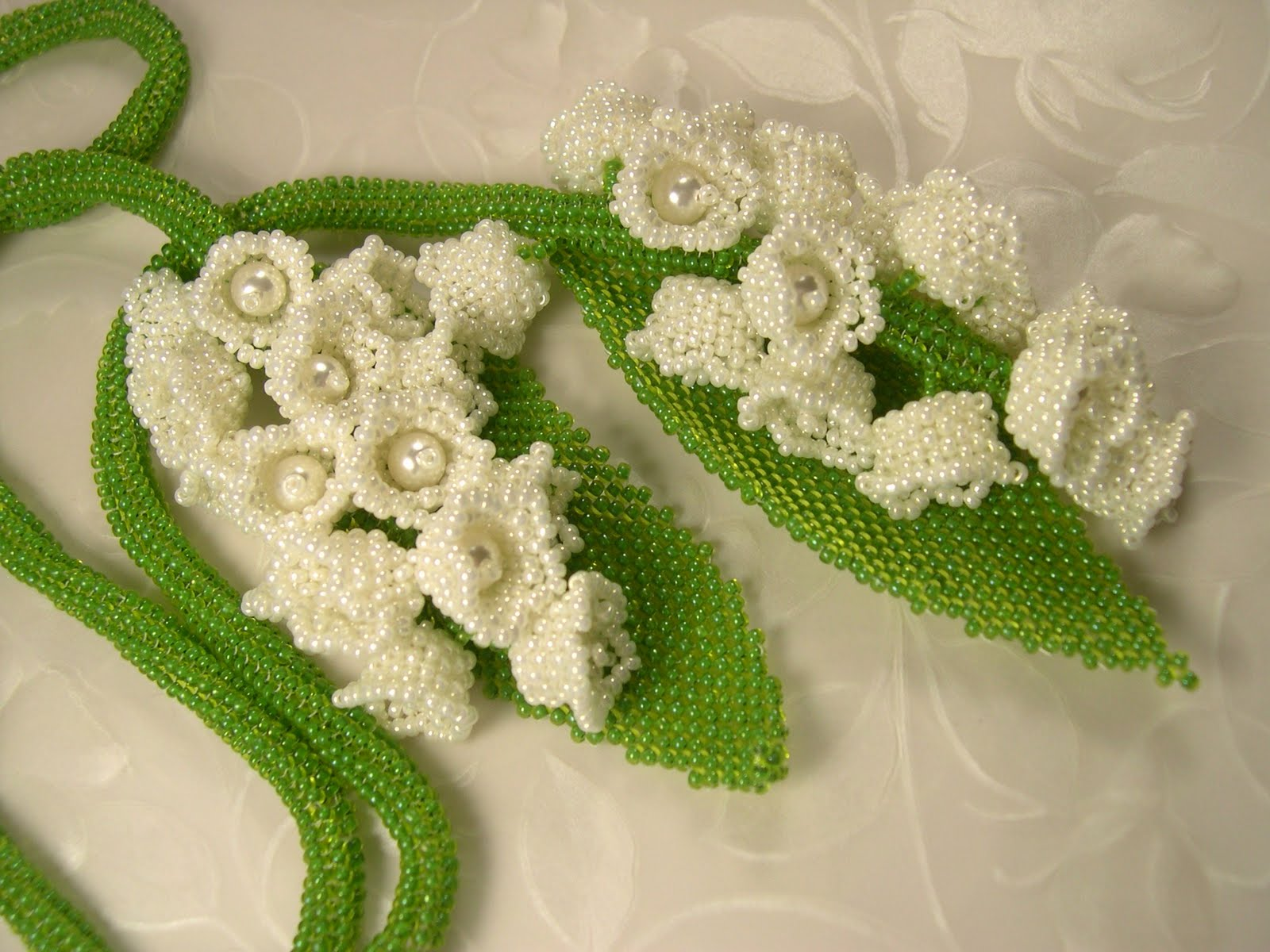 How to make lilies of the valley beads. Beading patterns