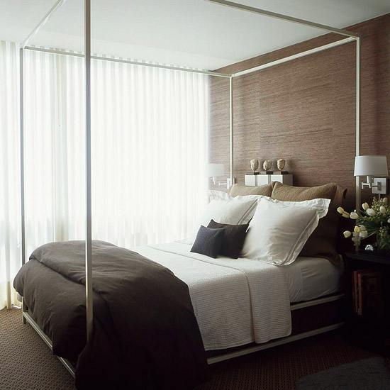Small Bedroom with Canopy Bed