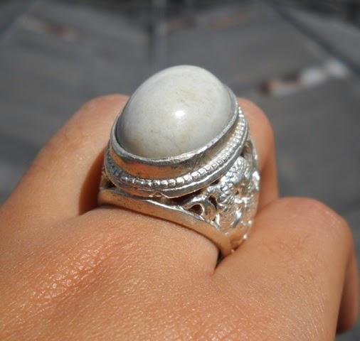 Batu Akik Bacan Putih