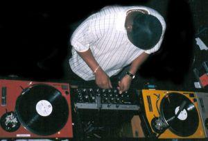 MIKLAISTOIDEO DJ