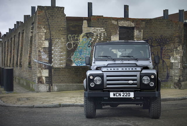 шлакоблок Land Rover Defender 2012