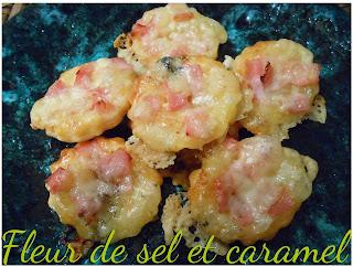 1 pâte feuilletée 85 g de morbier 7-8 tranches de bacon soit 75 g 1/2 jaune d'œuf + 1 cc d'eau Pignons de pin (compter 3