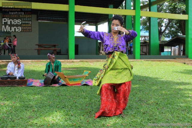 Pangalay Linggisan (Bird Dance)