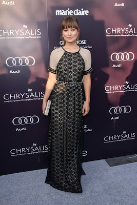 Olivia Wilde Charms in Yigal Azrouel Lace Gown