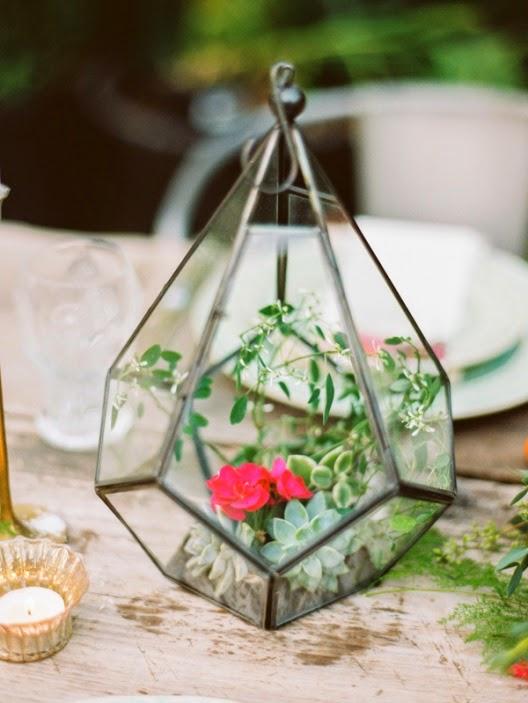 celebrar convite de boda en un viejo invernadero
