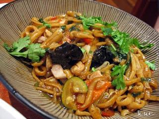 Les-Pates-Vivantes-Paris-noodle-with-chicken