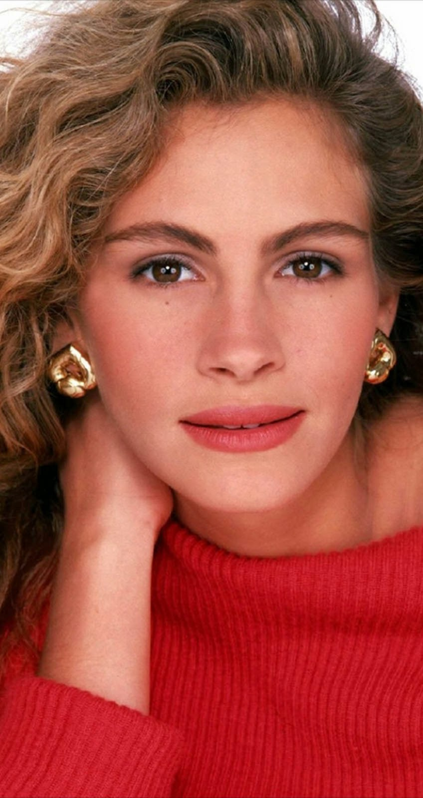 PHOTO AND NEWS PLUS-PRETTY WOMAN JULIA ROBERTS WALLPAPER -1932 X 1024 beatles music, chicago tribune, digital spy, dvd, eat pray love, julia roberts, julia roberts news, mtv. amazon, vancouver sun
