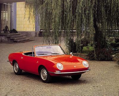Fiat 850 Sport Spider rossa