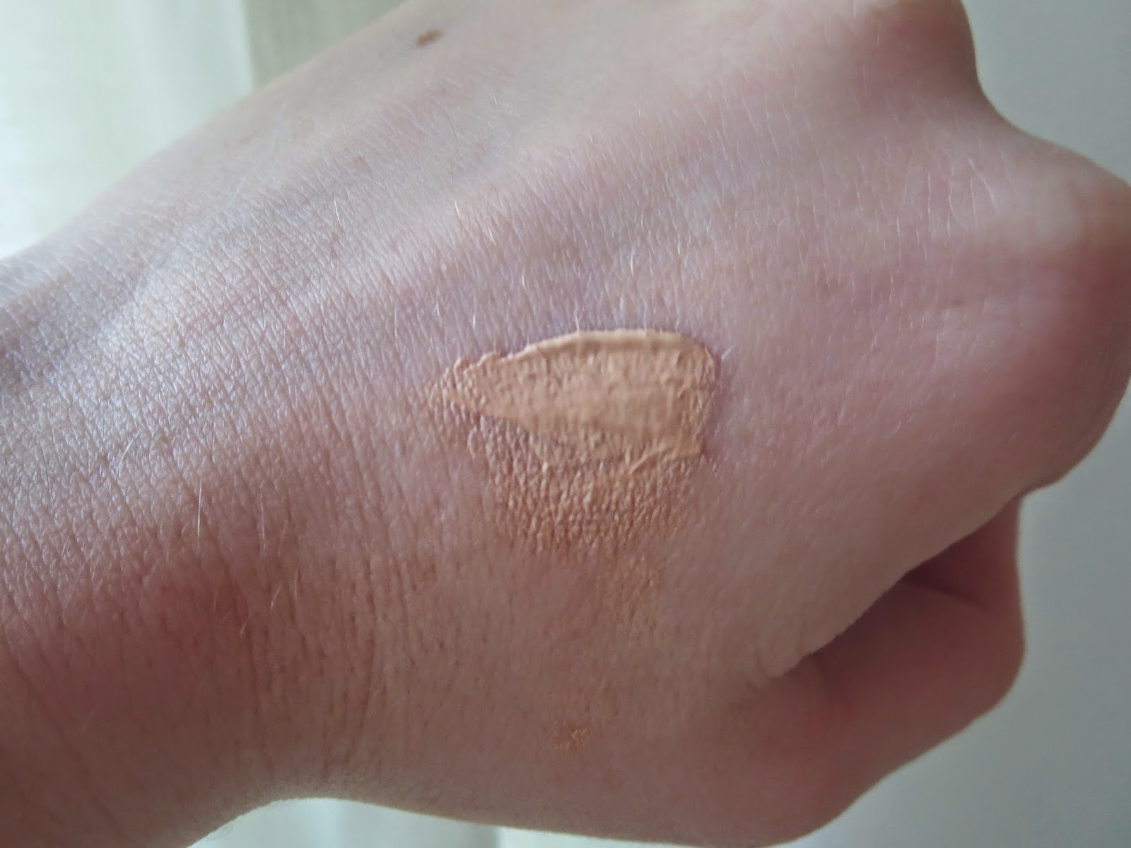 a picture of Maybelline Dream Pure BB, swatch