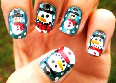Diseño de uñas con muñeco de nieve