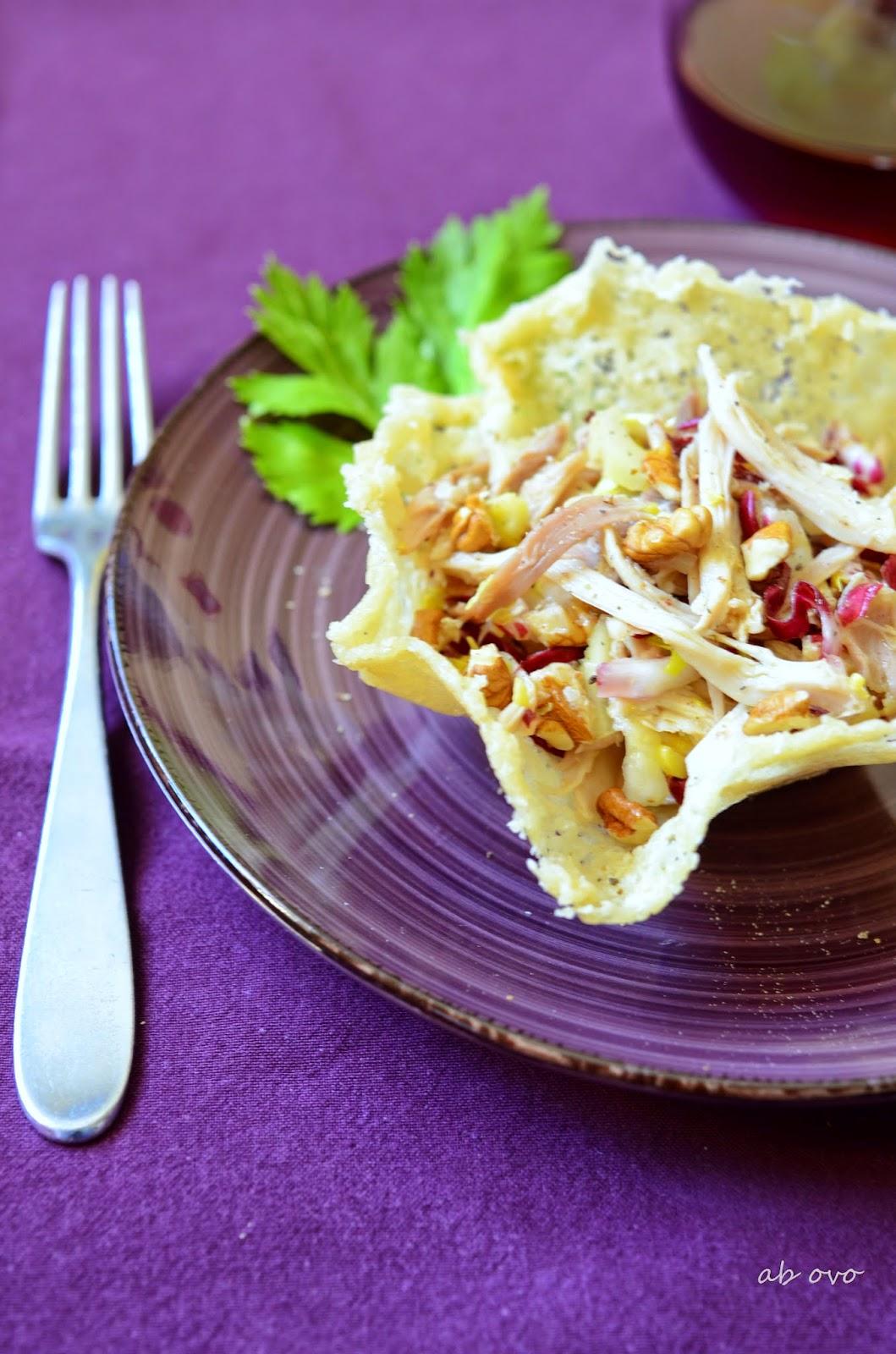 Insalata-di-gallina-in-cestino-di-parmigiano