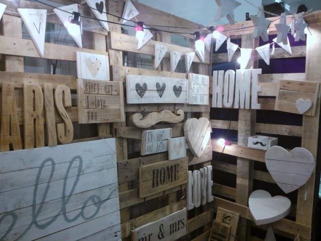 tablillas con mensajes y otros objetos hechos con madera reciclada por Atelier Vintage 50 funkypatch