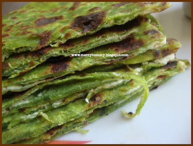 Merry Tummy: Mint Palak Paneer Paratha/ Spinach Cottage Cheese Bread