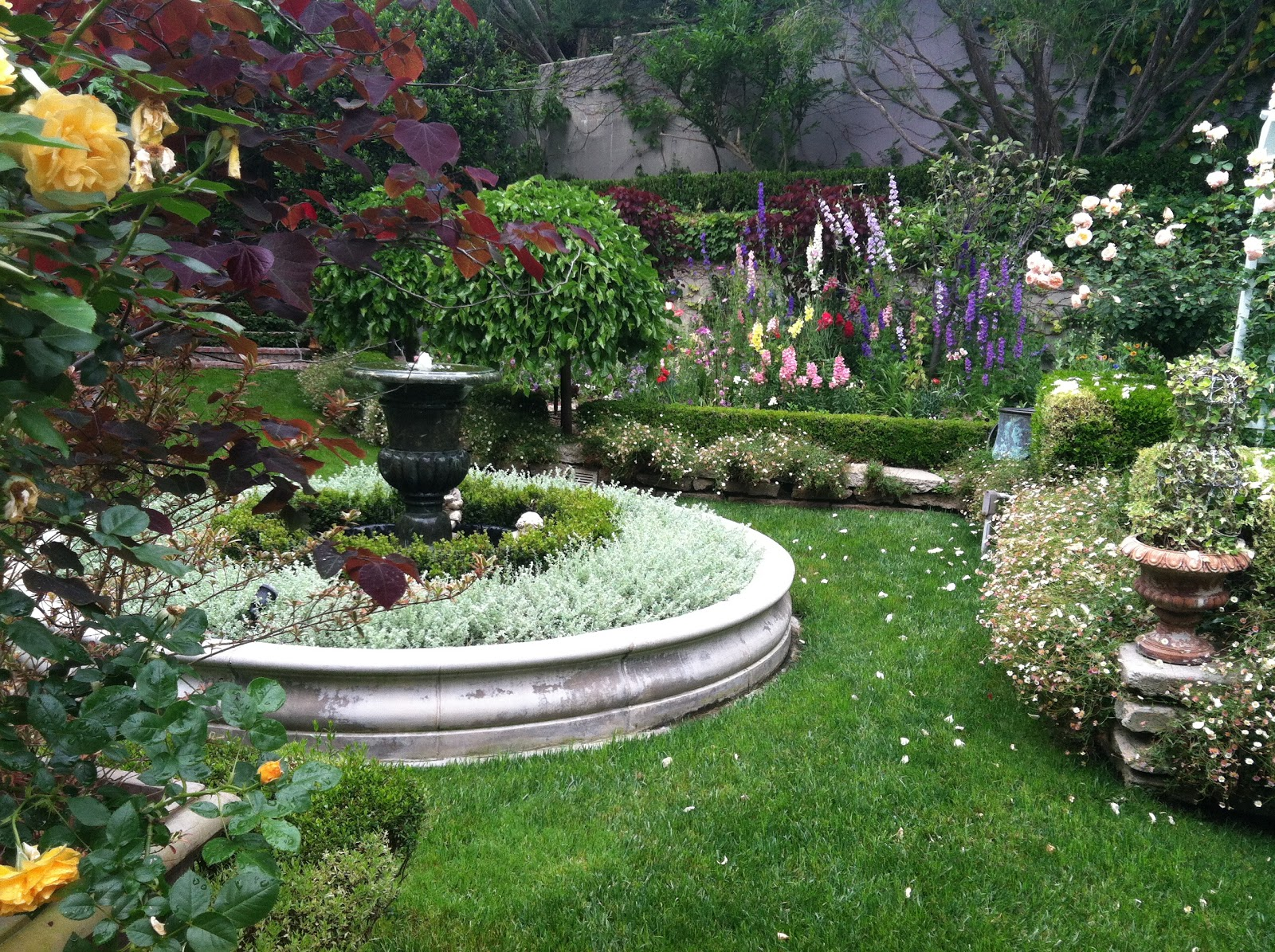 Beautiful home gardens the beautiful garden at the