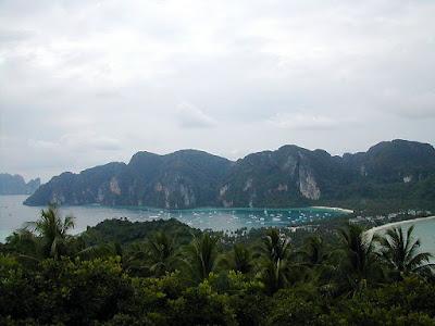 "Thailand <a href=""http://vionm.com/things-to-do-in-bangkok-thailand/thailandhoneymoon-go-on-the-phuket-beach-inward-thailand/"">Beaches</a>: Phi Phi Islands, Thailand: I Of The Best Islands As Well As A Elevation Tourist Destination..."
