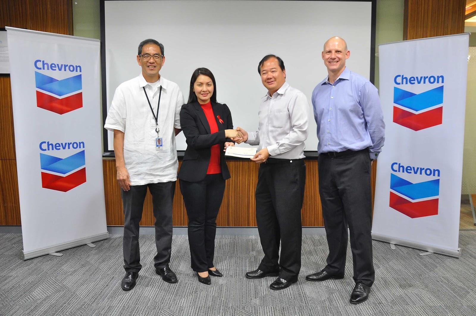 Chevron donates P1 million to Red Cross