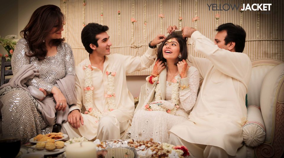 shehroz sabzwari and syra yousuf marriage 6 4 - Syra Yousuf and Shehroze Sabzwari Nikkah / Wedding Pictures