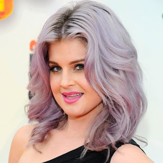 look de kelly osbourne