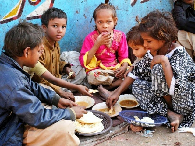 street-children-meal